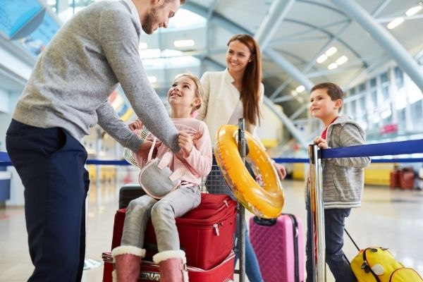 tips-at-the-airport-as-a-family